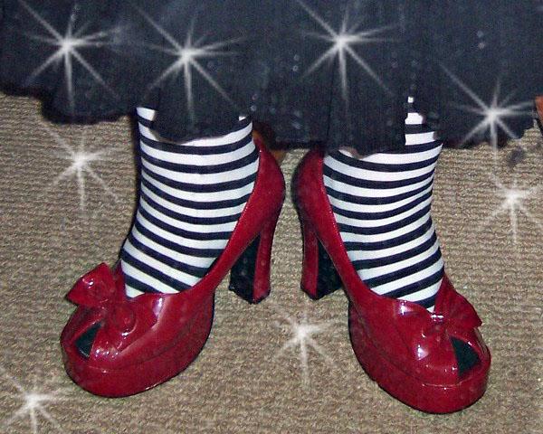 Stripesredshoes