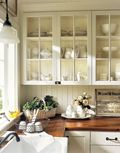 Kitchen-Flowers-Cabinets-Baskets-HTOURS0206-de