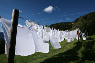 Sheets-on-a-clothesline