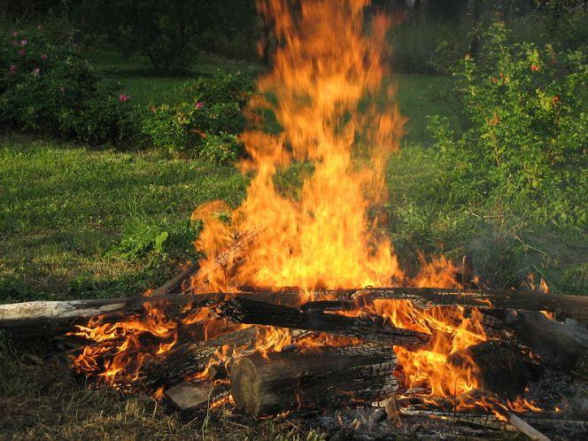800px-Russian_campfire
